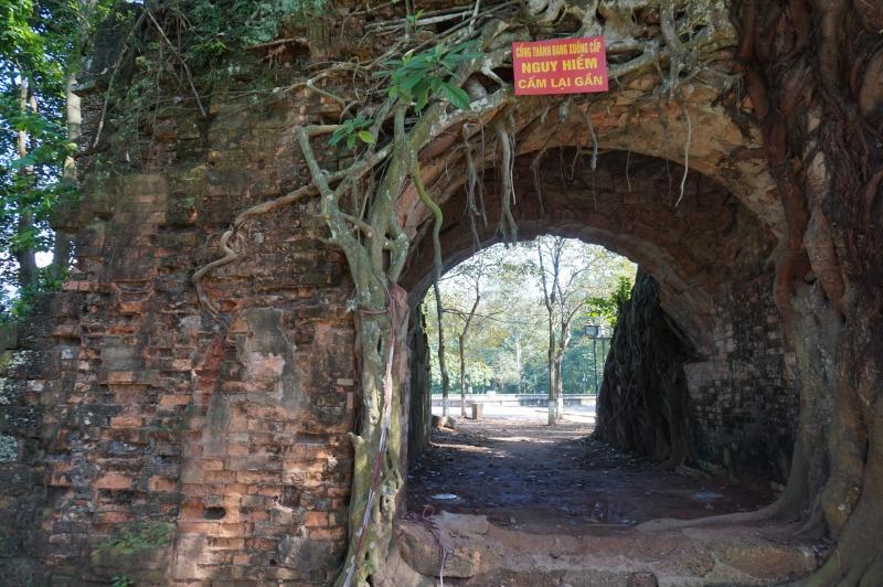 門 (2)
