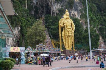 マレーシア随一のヒンドゥー教の聖地バトゥ洞窟( Batu Caves)ツアー
